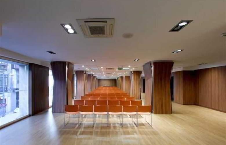 Abades Recogidas - Conference - 11