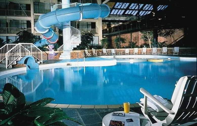 Delta Toronto East - Pool - 6