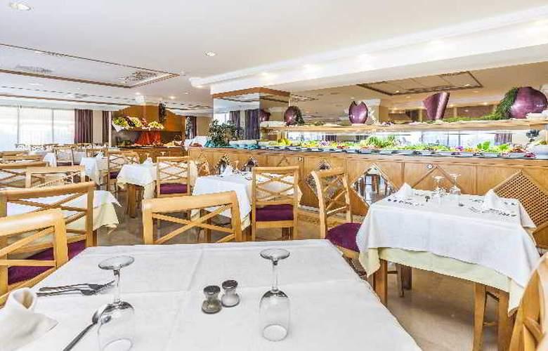 Sumba/Borneo - Restaurant - 32