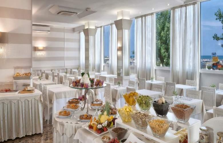 Suite Litoraneo - Restaurant - 7