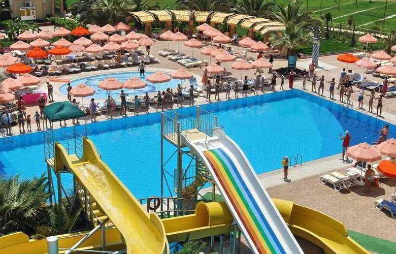 Aska Washington Resort & Spa Hotel - Pool - 3