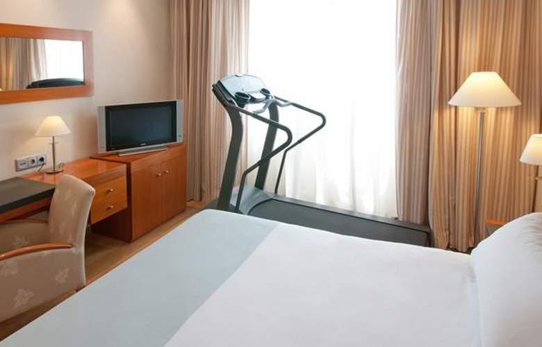 Tryp Valencia Oceanic - Room - 15