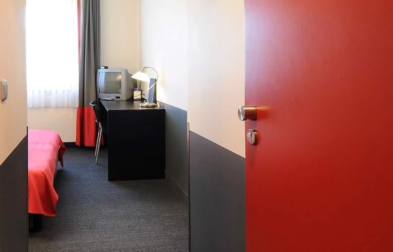 Brussels (E40/Groot-Bijgaarden) - Room - 2