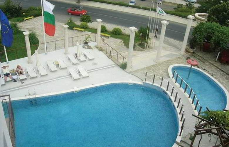 Menabria Nessebar - Pool - 3
