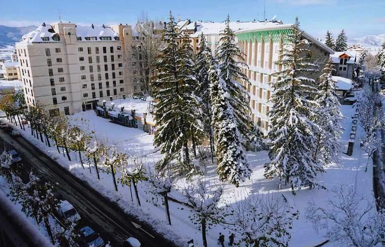 Gran Hotel Jaca - Hotel - 0