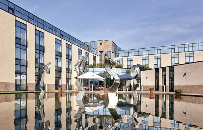 Tryp Dusseldorf Airport - Hotel - 11