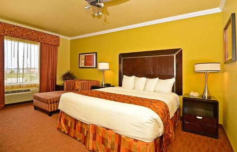 Best Western Plus Christopher Inn & Suites - Hotel - 74