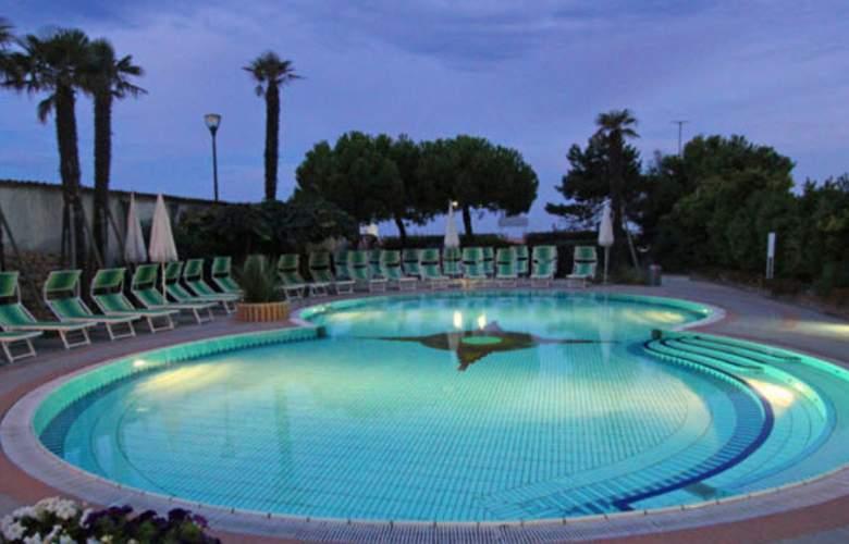 Park Hotel Cellini - Pool - 2