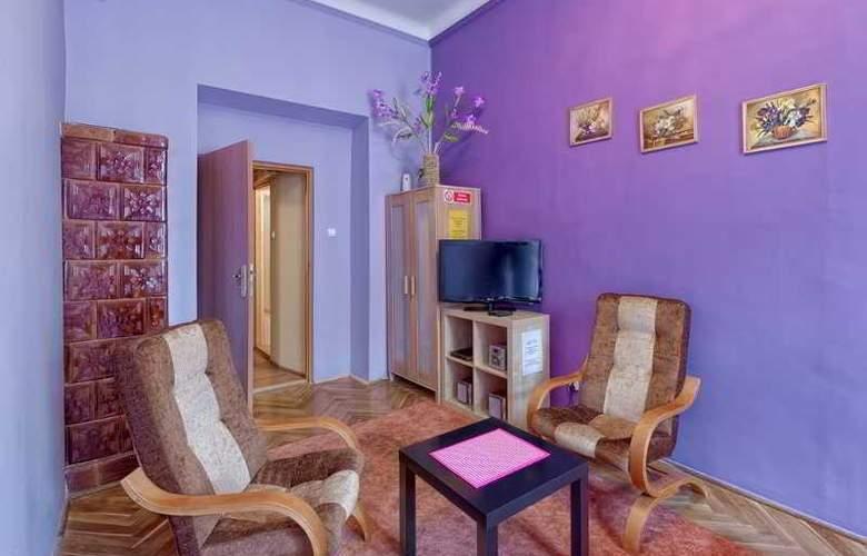 Queens Apartments - Room - 8