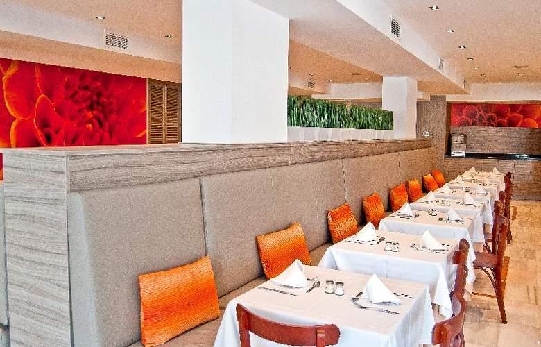 BQ Augusta - Restaurant - 28
