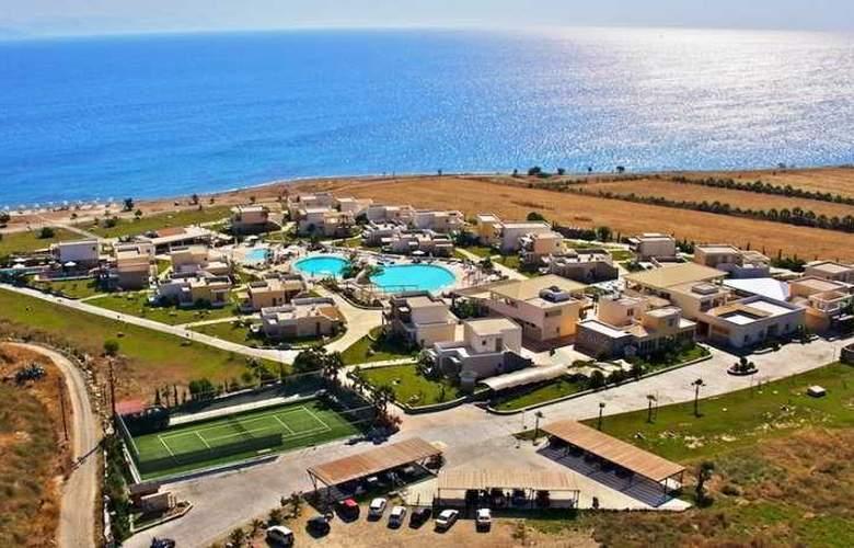 Natura Park Village - Hotel - 0