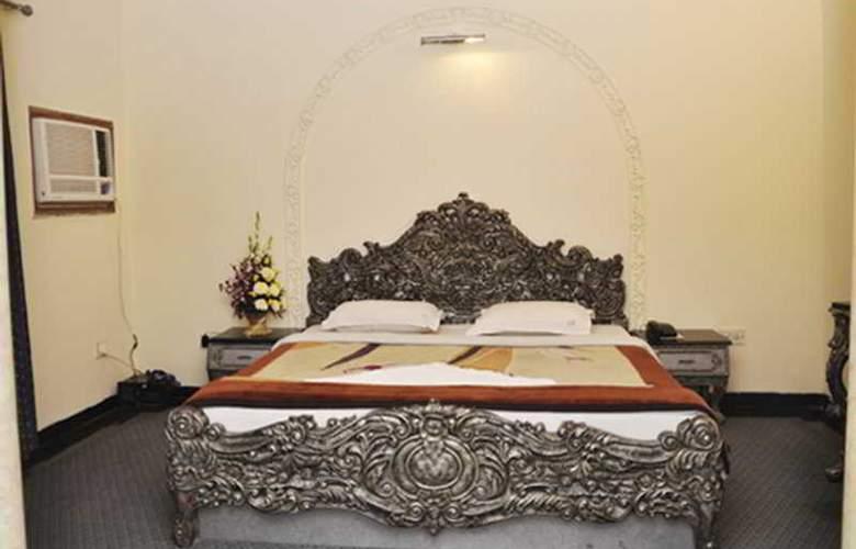 Ivory Palace - Room - 4