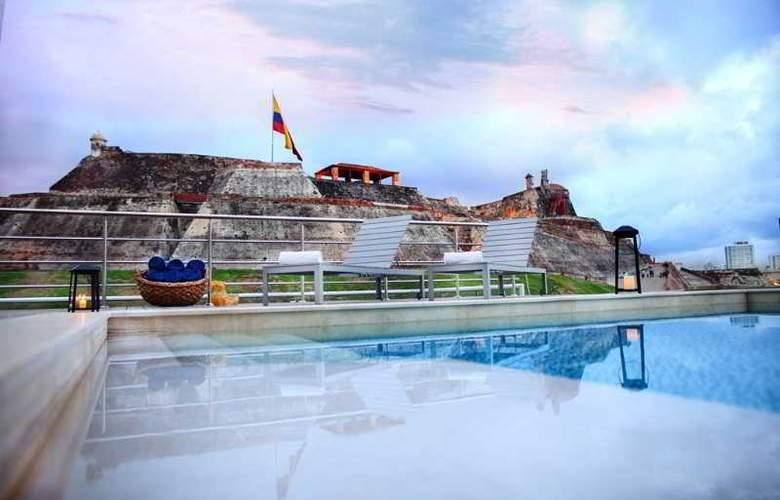 San Lazaro Art Style - Pool - 6