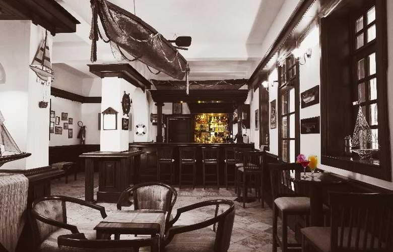 Protea Hotel Courtyard - Bar - 15