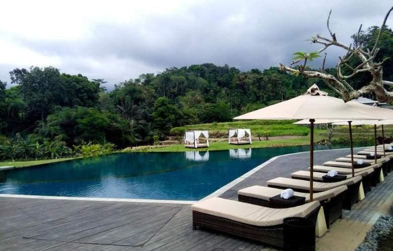 Saranam Eco-Resort & Spa - Pool - 4