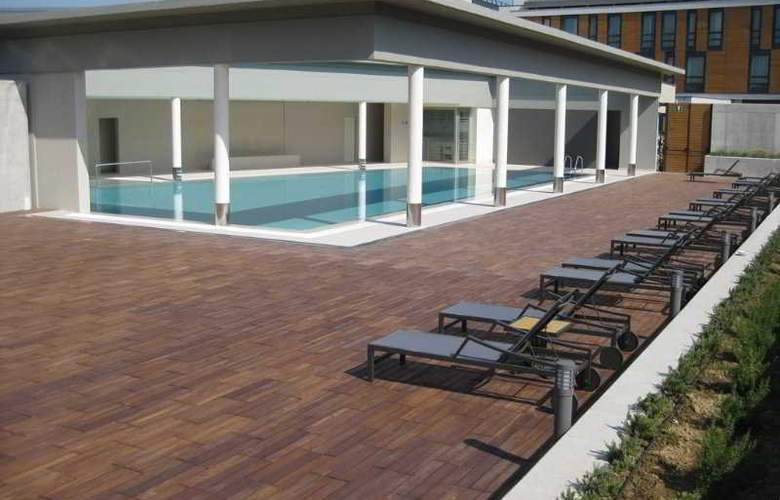 DoubleTree by Hilton Venice North - Pool - 7