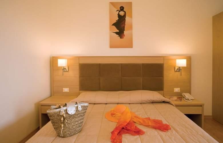 Lomeniz - Room - 2