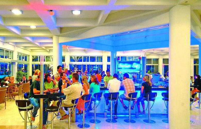Club Kastalia - Bar - 7