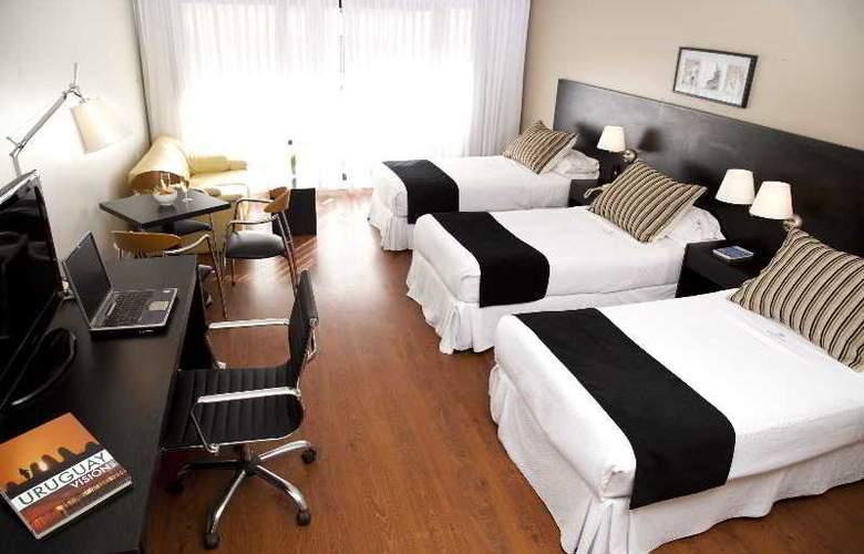 Pocitos Plaza Hotel - Room - 15