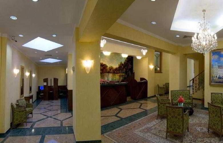 Grand Hotel Zvon - Hotel - 4