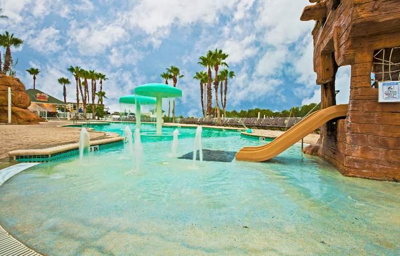 Holiday Inn Hotel & Suites Harbourside - Pool - 2