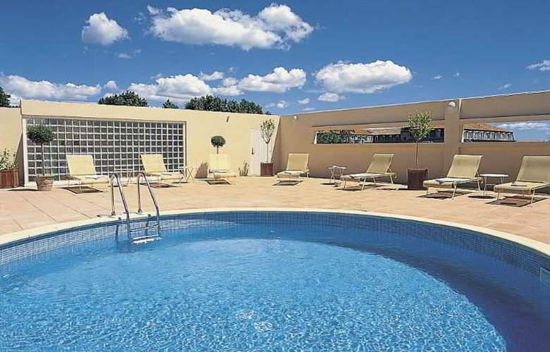 Avignon Grand Hotel - Pool - 8