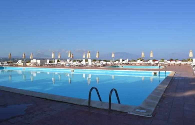 Perla Del Golfo - Hotel - 4