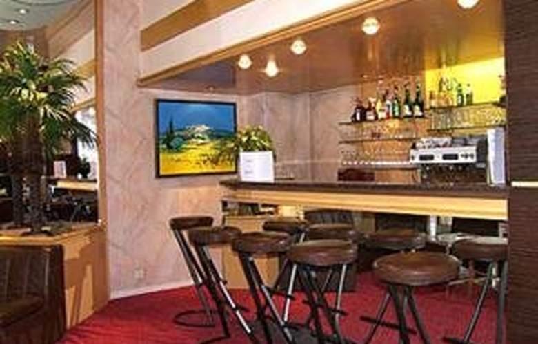 Best Western Carlton - Bar - 6