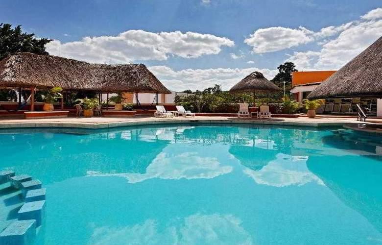 Holiday Inn Merida - Pool - 29