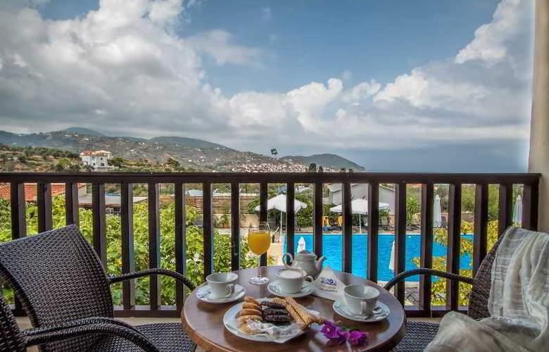Skopelos Holiday Resort & Spa - Terrace - 5