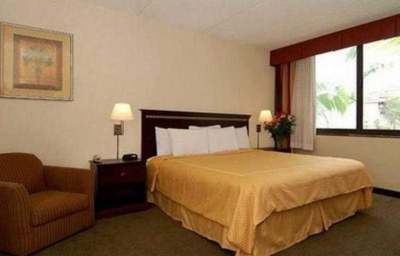Comfort Suites Airport - Room - 5