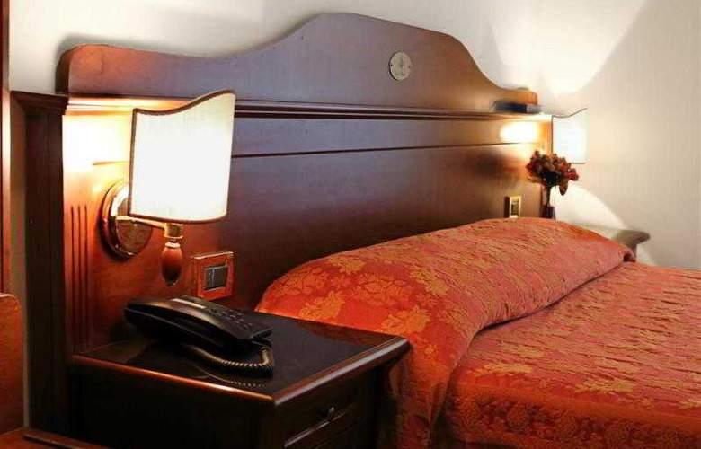 Hotel Pavone - Hotel - 2