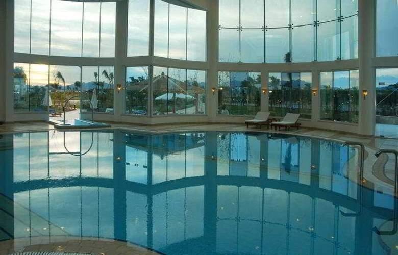 Sierra Hotel - Pool - 6