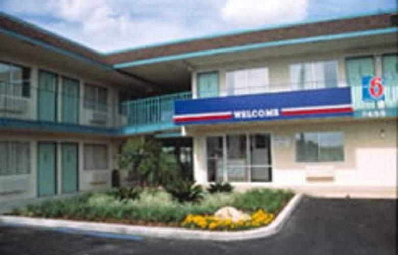 Motel 6 Prescott - Hotel - 0