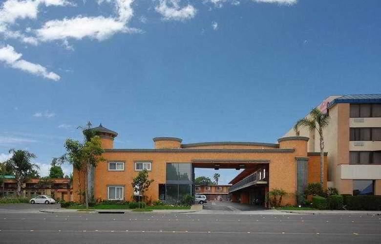 Anaheim Rodeway Inn & Suites - Hotel - 0