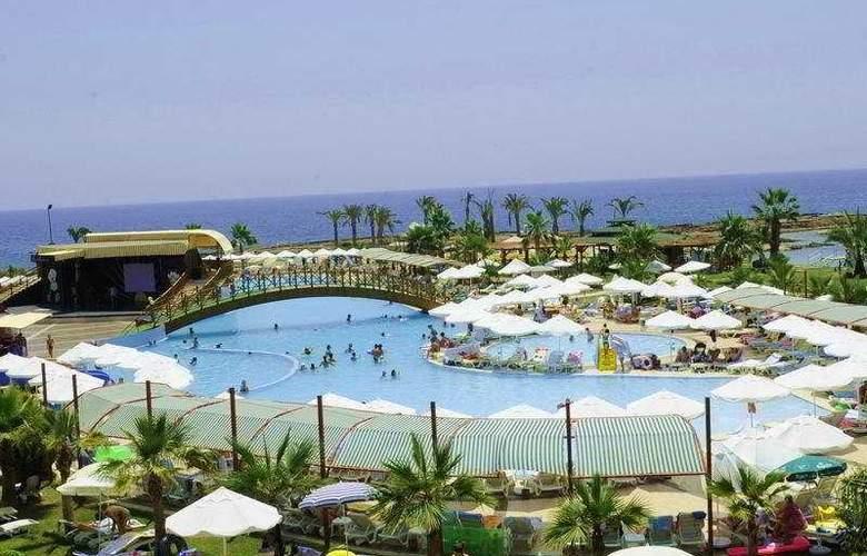 Incekum Beach Resort - Pool - 7