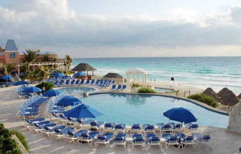 Golden Parnassus Resort & Spa All Inclusive - Pool - 14