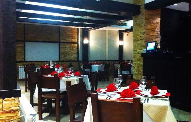 All Seasons - Restaurant - 3