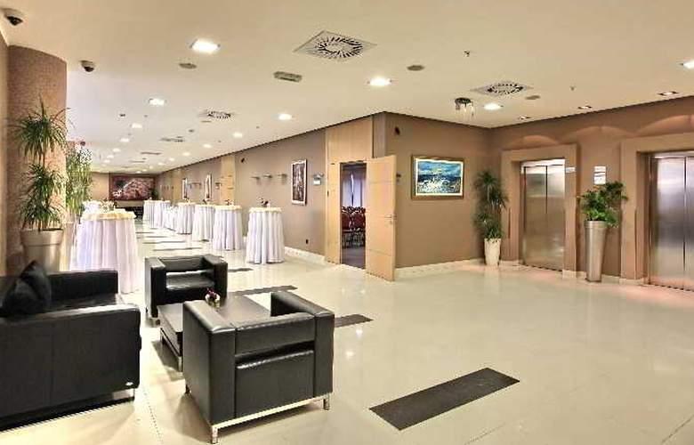 Holiday Inn Belgrade - General - 1