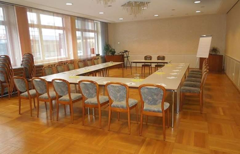 Wartburg - Conference - 3