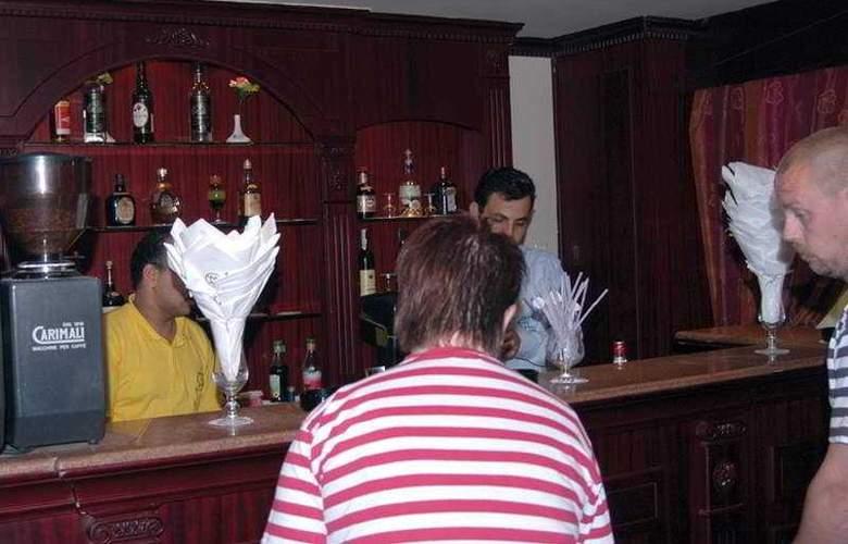 Emilio Luxor - Bar - 4