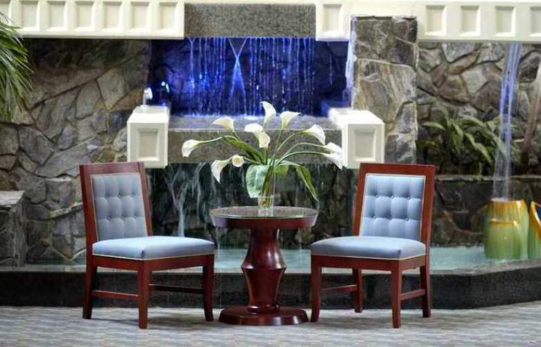 Doubletree Hotel Augusta - Hotel - 8