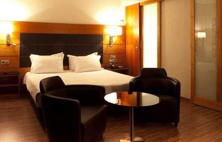 AC Carlton Madrid - Room - 11