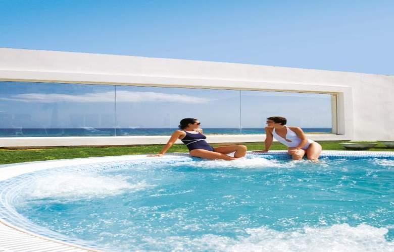 Riu Palace Tres Islas - Pool - 14
