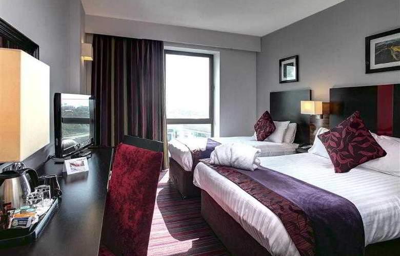 Clayton Cardiff - Room - 40
