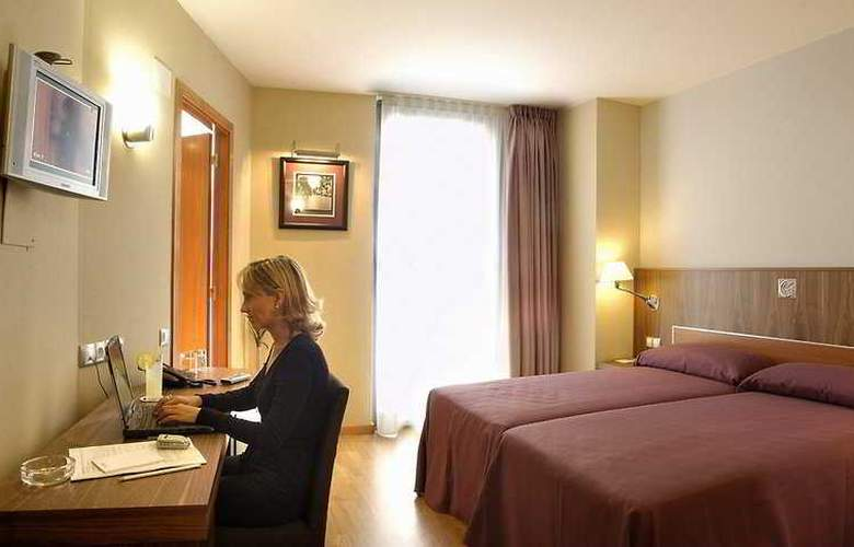 Evenia Rocafort - Room - 1