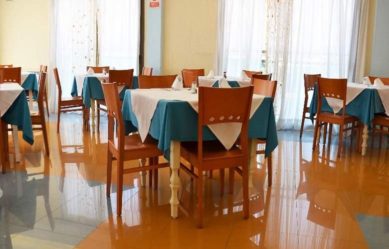 Club San Remo - Restaurant - 12