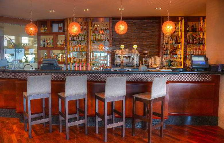 Radisson Blu Resort - Bar - 20