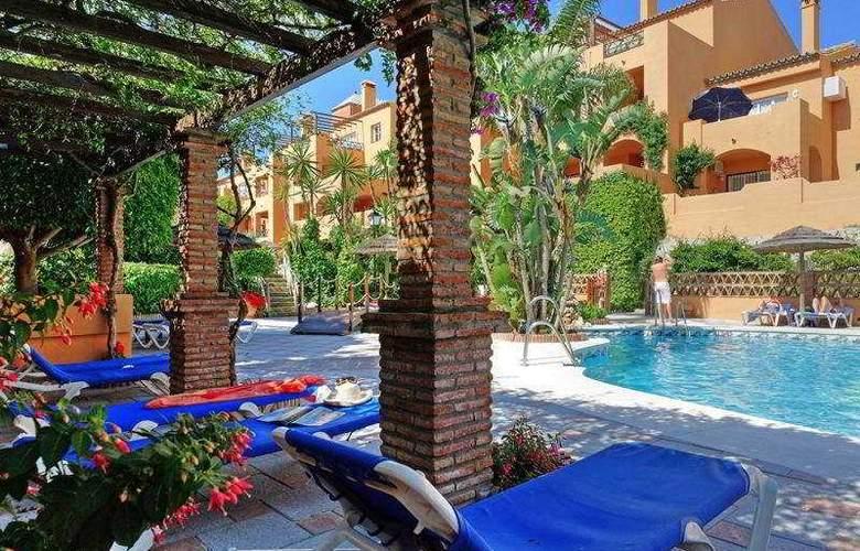 Mijas Costa Apartments - Pool - 7