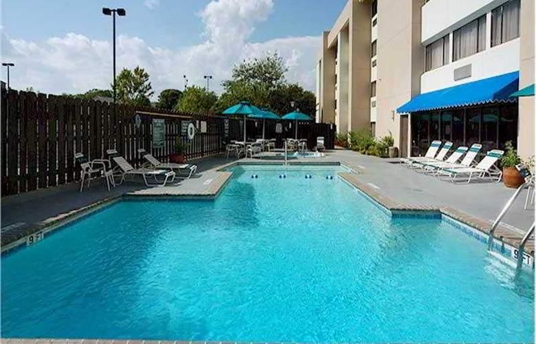 La Quinta Inn Austin North - Pool - 5